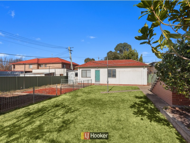 75 Sturt Avenue, Narrabundah ACT 2604