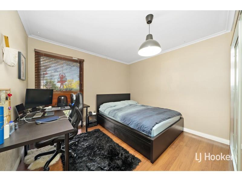 9 Poole Place, Latham ACT 2615