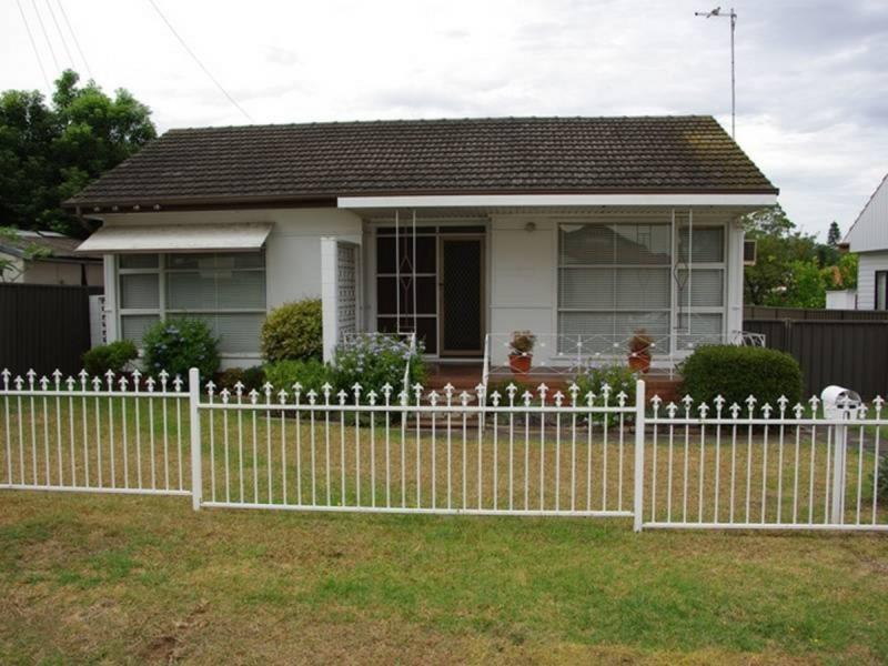 2 Matthew Crescent, Blacktown NSW 2148