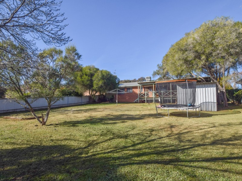 13 Milong Street, Young NSW 2594