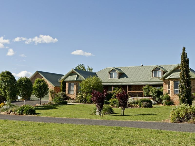 132 Belmore Rd, Young NSW 2594