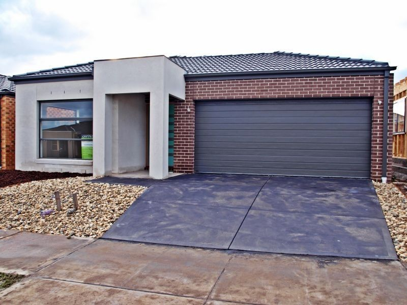 27 Watergum Avenue, Craigieburn VIC 3064