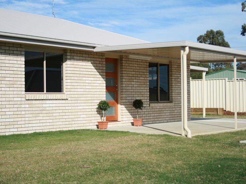 23 Rowland st, Warwick QLD 4370