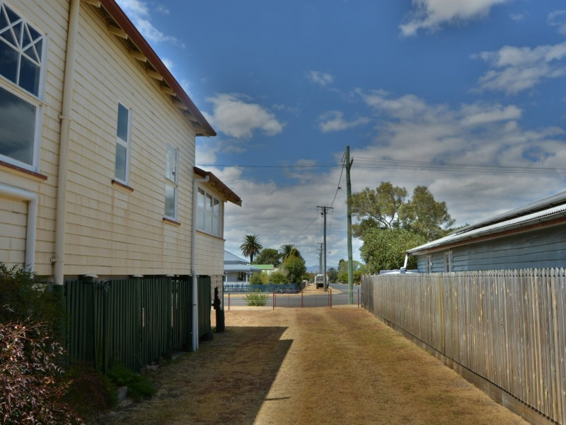 97 Albion Street, Warwick QLD 4370