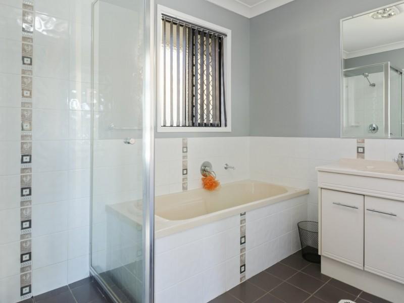 8 Flitcroft Street, Warwick QLD 4370