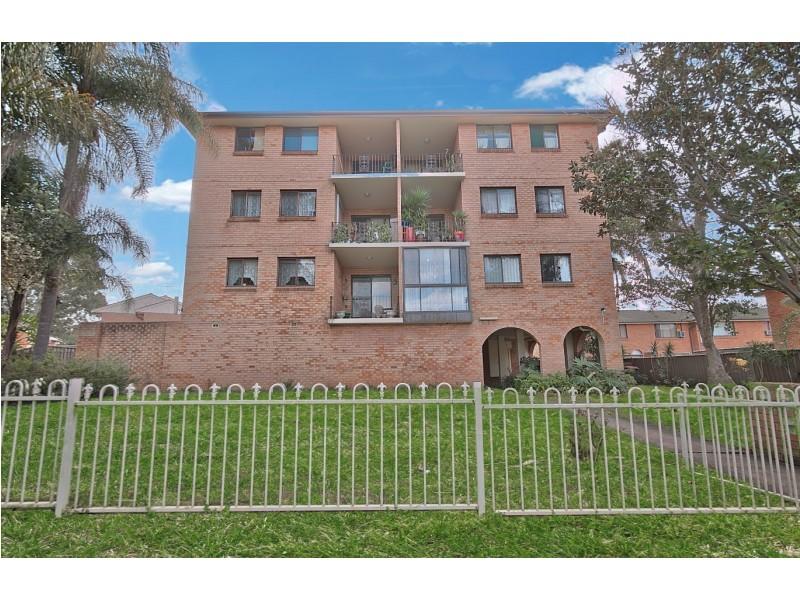 4/9 Wilde Street, Carramar NSW 2163