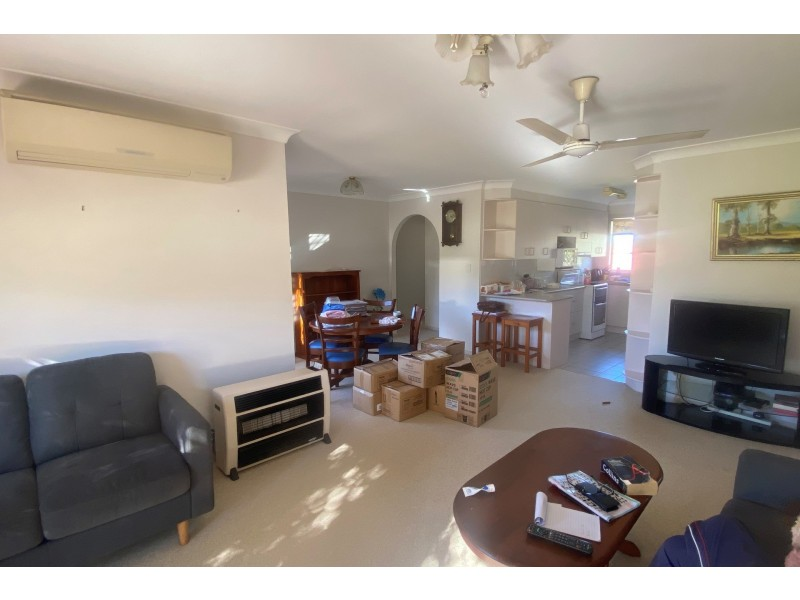 11 Brownleigh Vale Drive, Inverell NSW 2360
