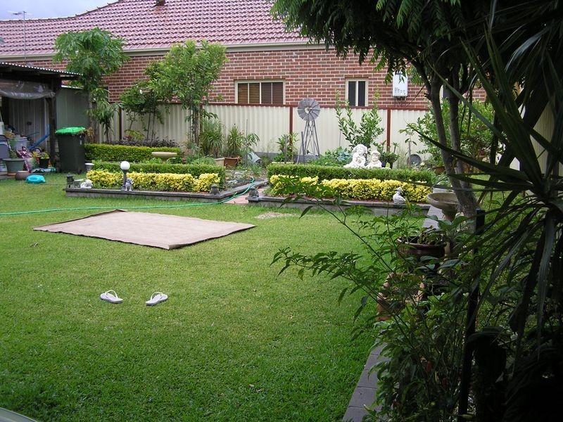 18 Balmoral Ave, Croydon Park NSW 2133