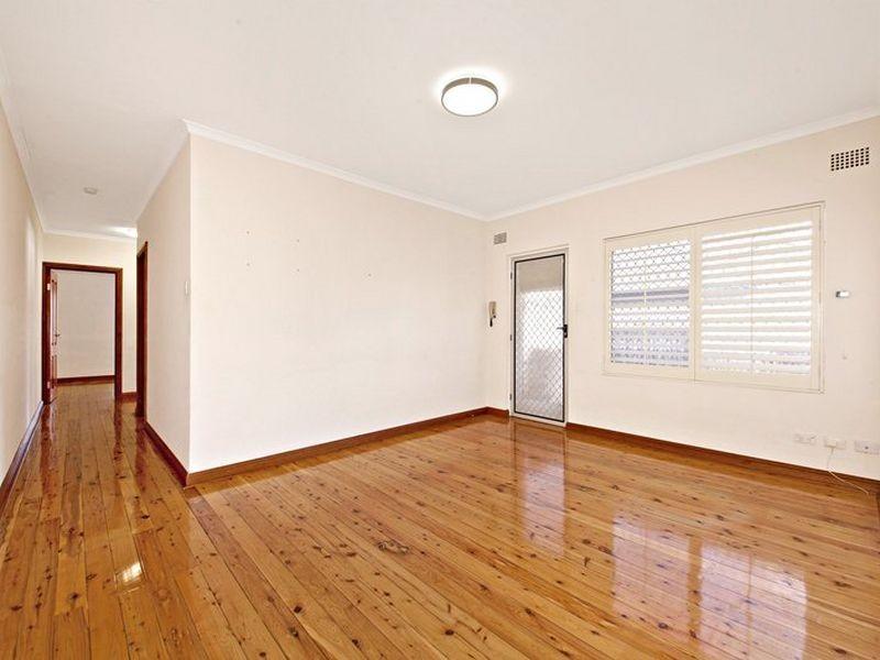 2/49 McKern Street, Campsie NSW 2194