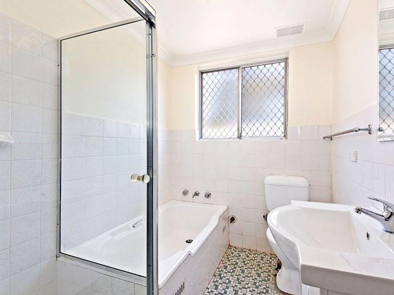 2/104 Duke Street, Campsie NSW 2194