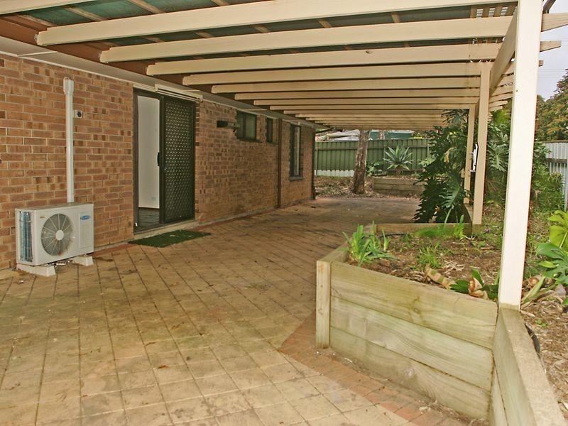 2 Pine Dr, Aberfoyle Park SA 5159