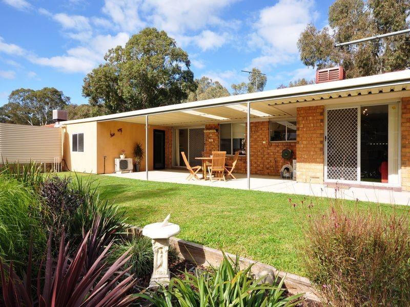 17 Homestead Dr, Aberfoyle Park SA 5159