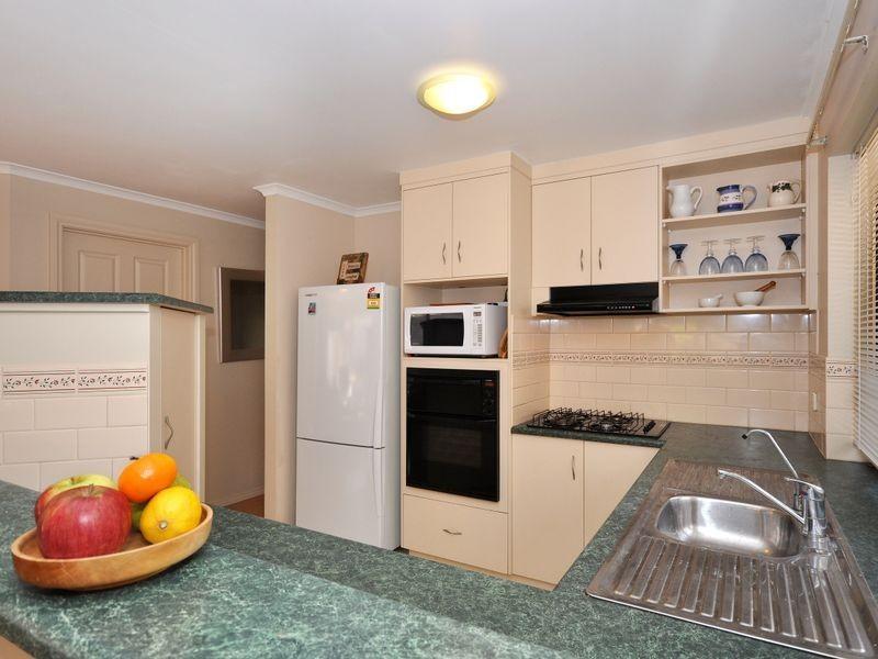 30 Moorfield Mw, Aberfoyle Park SA 5159