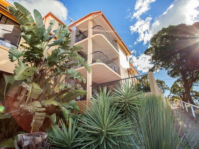 2/6 Rutledge Street, Coolangatta QLD 4225