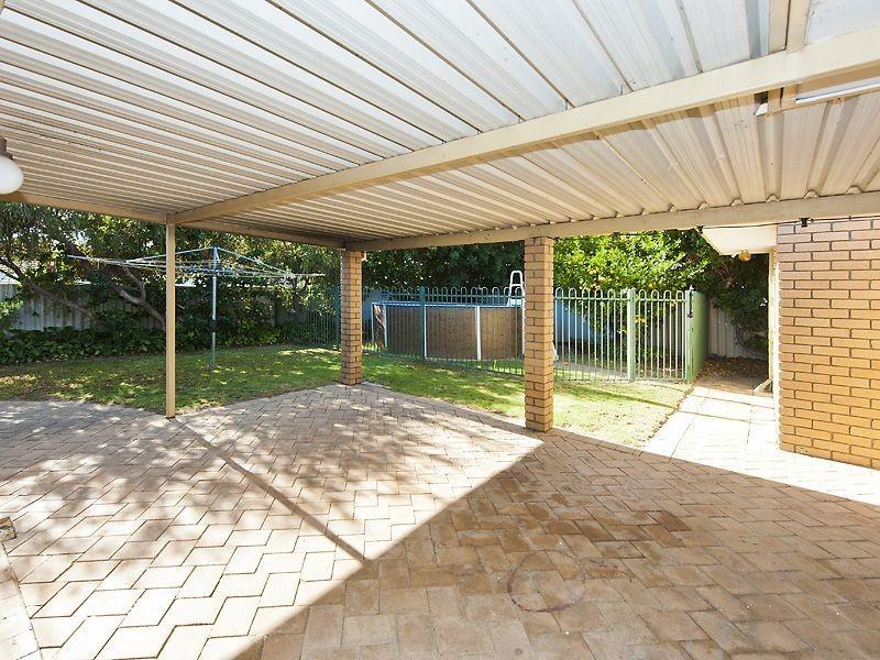 9 Cockatoo Court, High Wycombe WA 6057