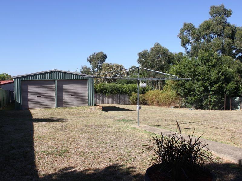 9 Casuarina Close, Cowra NSW 2794