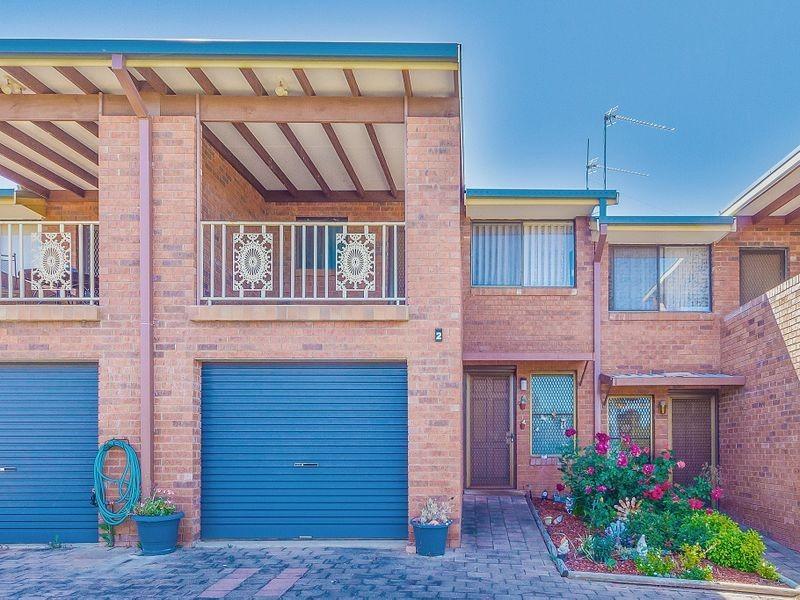2/42 Evans Street, Cowra NSW 2794