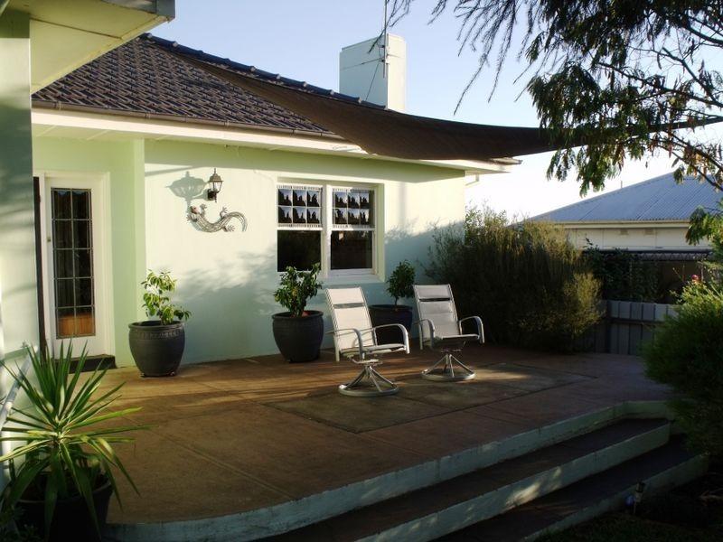 13 Macassar Street, Cowra NSW 2794