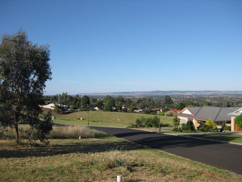 29 London Drive, Cowra NSW 2794