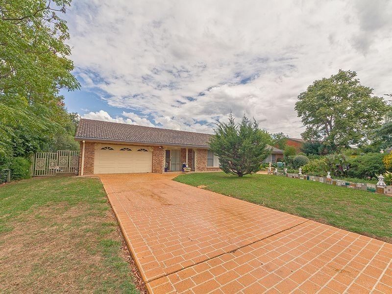 16 Flint Street, Cowra NSW 2794