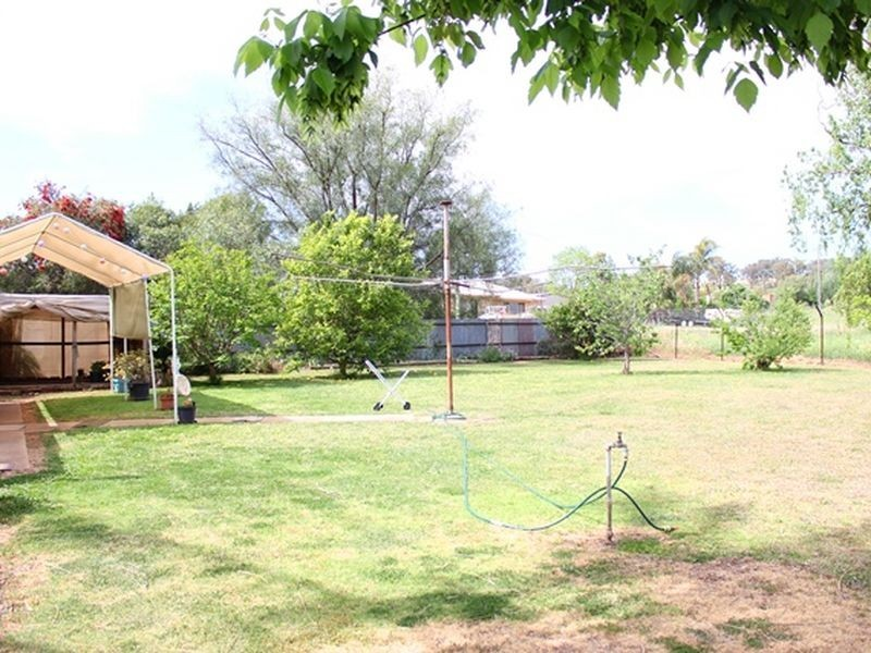 61 Waugoola Street  (Woodstock via ), Cowra NSW 2794