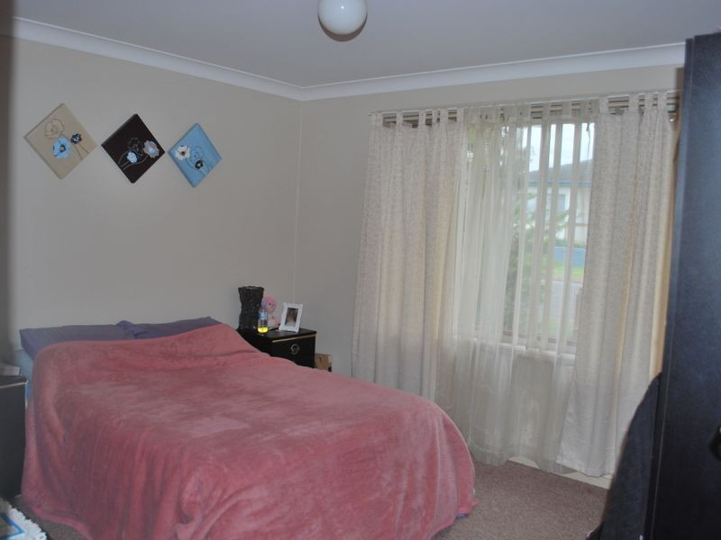 1 & 2/9 Rosewood Street, Albion Park Rail NSW 2527