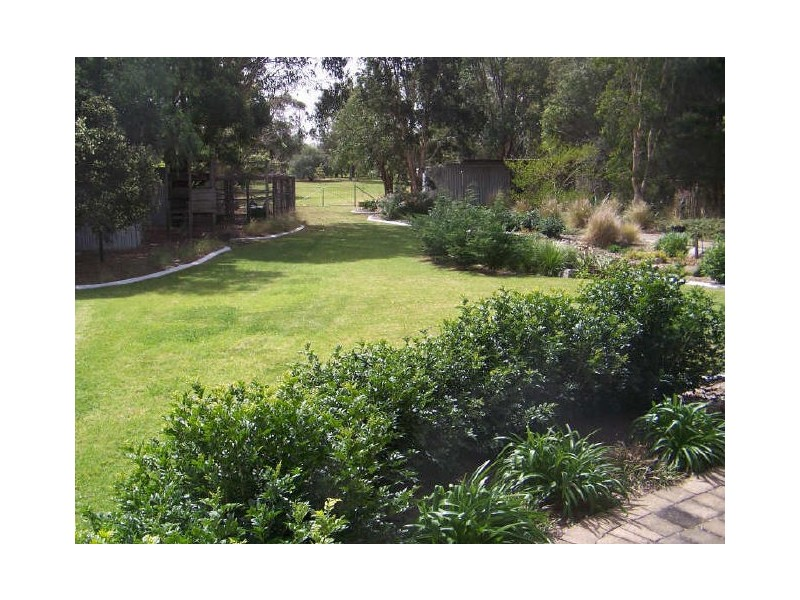 25 Windsor Crescent, Brownsville NSW 2530