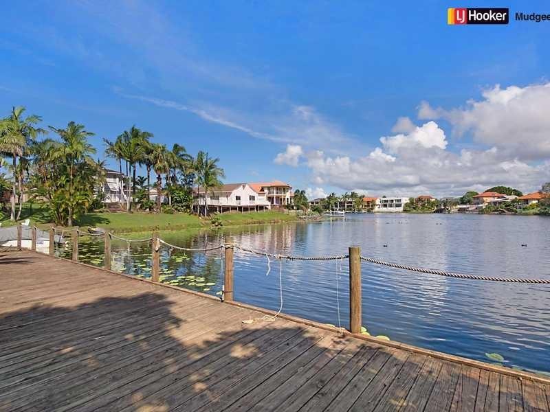 90 Santa Cruz Boulevard, Clear Island Waters QLD 4226