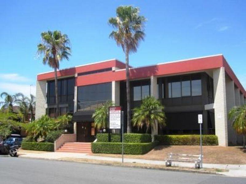 1/2 Elliot Street, Bundall QLD 4217