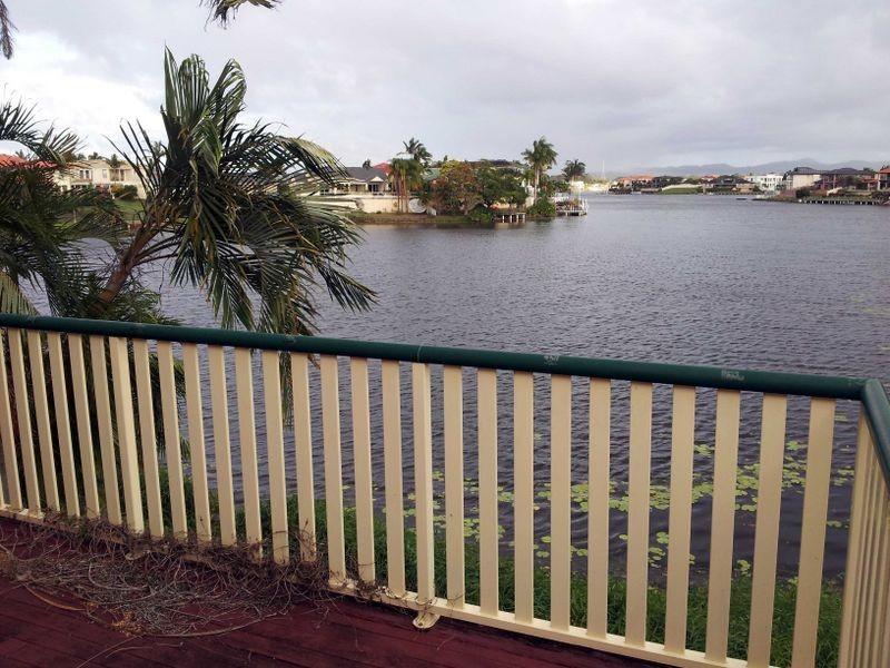 1/56 SANTA CRUZ HOUSE, Clear Island Waters QLD 4226