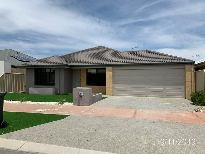 7 Nasco Way, Caversham WA 6055