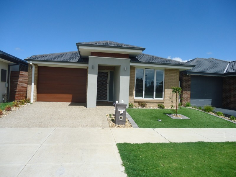 15 Norma Crescent, Officer VIC 3809