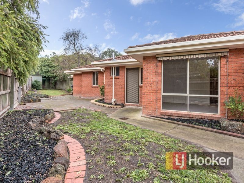 2/18 Parkview Close, Dandenong VIC 3175