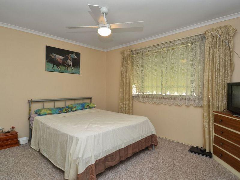 107 Hooker Blvd, Broadbeach Waters QLD 4218