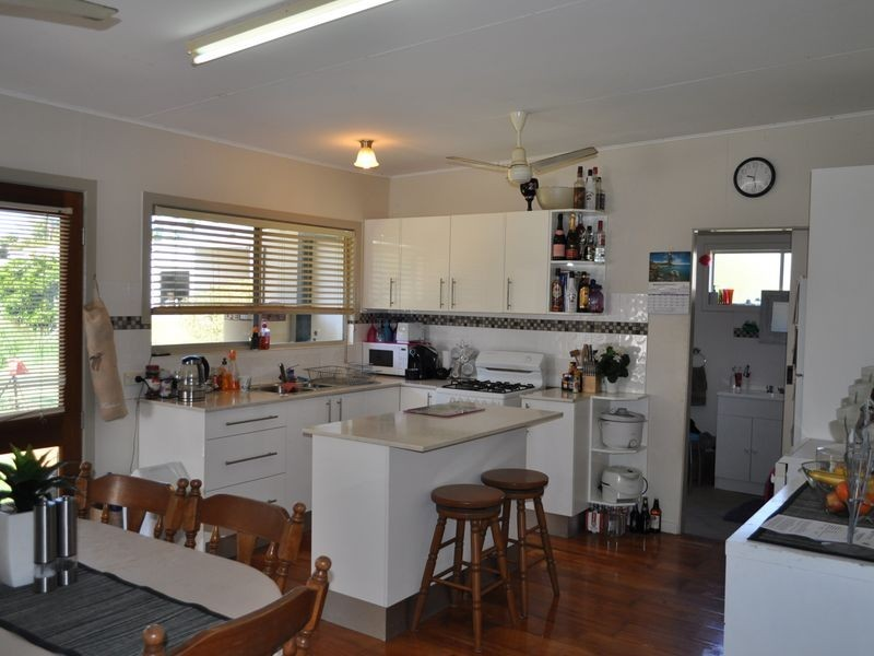 6 Angus Lane, Macksville NSW 2447