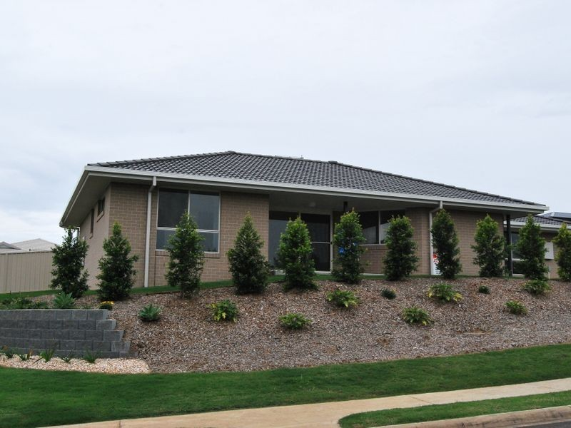 18 Rowe Drive, Macksville NSW 2447