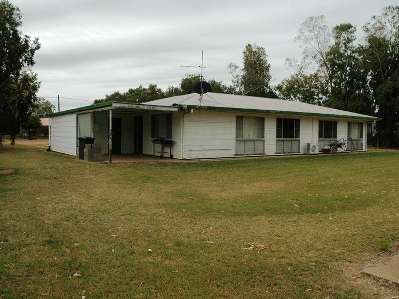 3 YEW Street, Barcaldine QLD 4725
