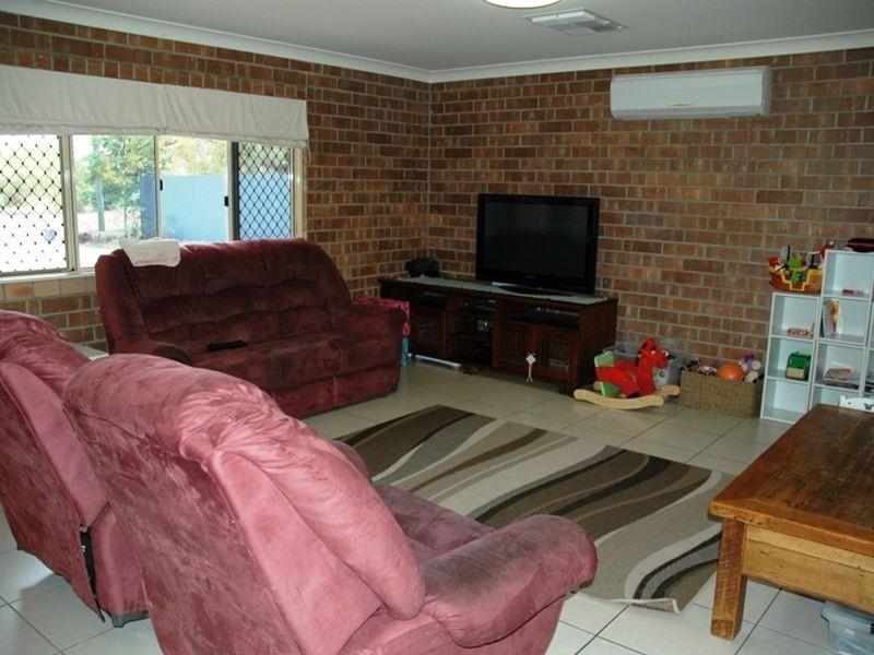 125 Ash street, Barcaldine QLD 4725