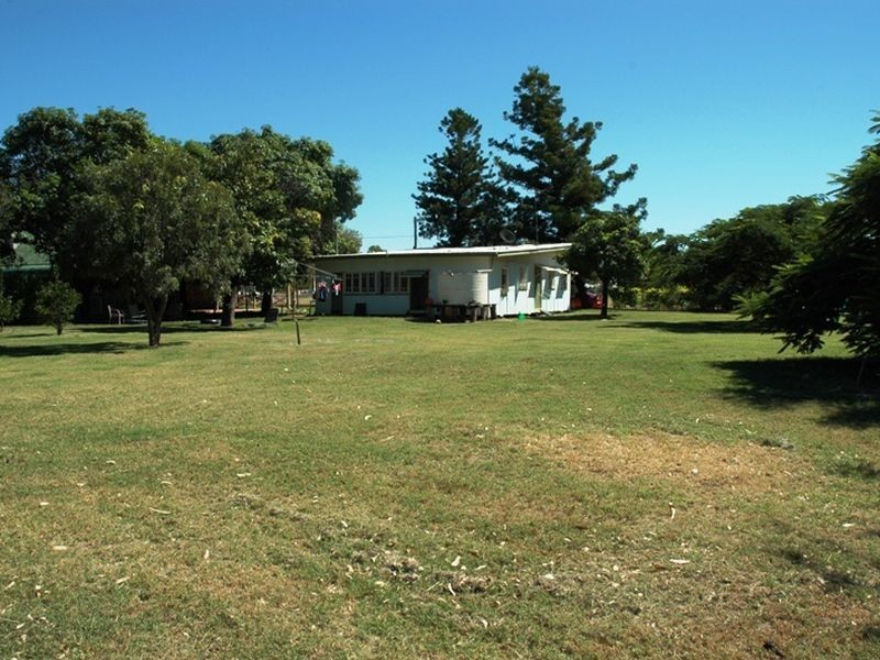 11 Elm street, Barcaldine QLD 4725