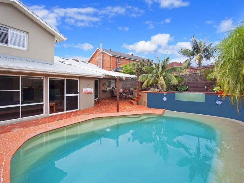 45 Royal Oak Drive, Alfords Point NSW 2234