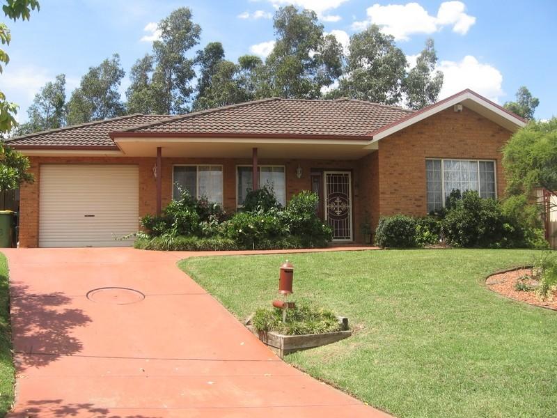 13 Pendlebury Place, Abbotsbury NSW 2176
