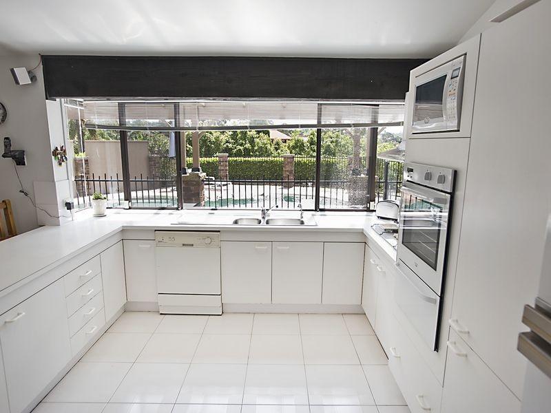 8 Driscoll Street, Abbotsbury NSW 2176