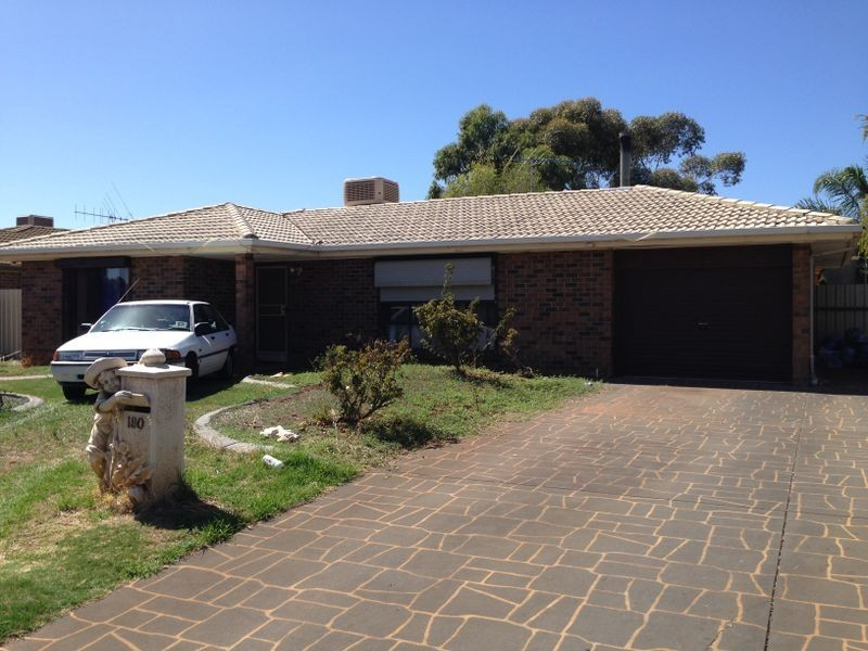 180 Adams Road, Craigmore SA 5114