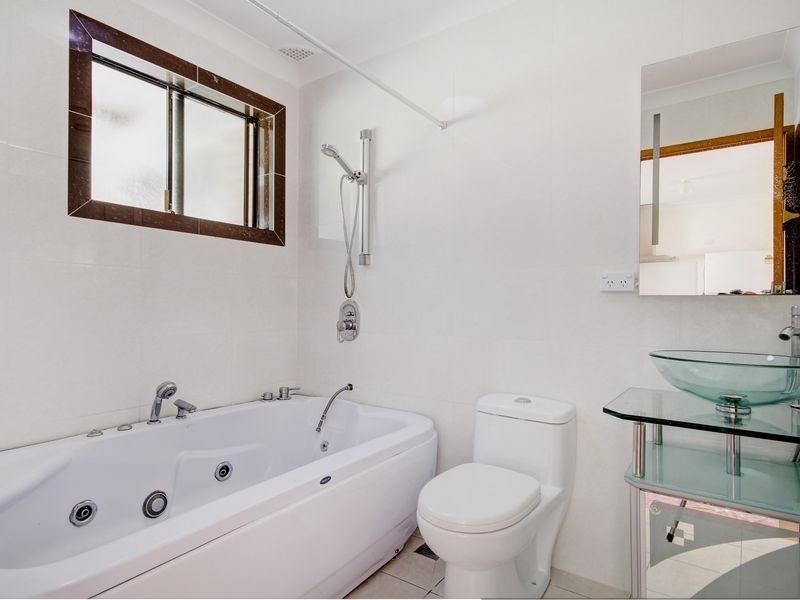 6 Burraneer Close, Allawah NSW 2218
