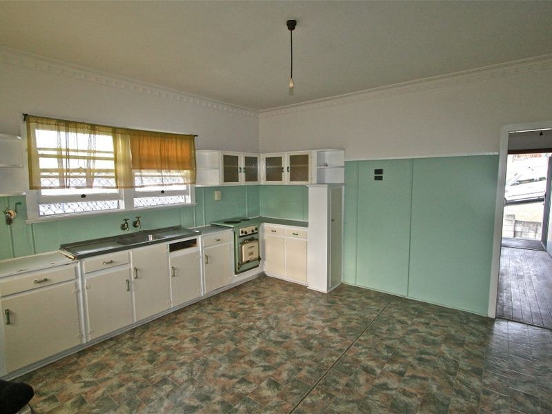 87 Dutton Street, Coolangatta QLD 4225