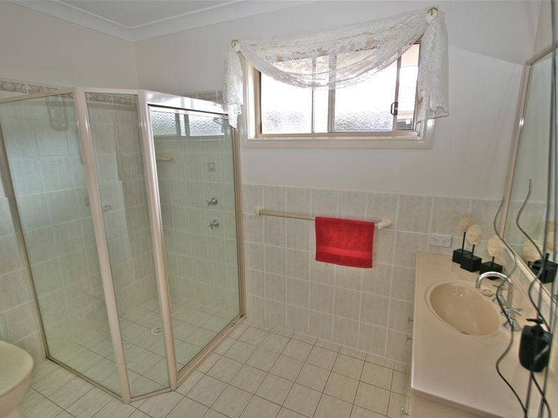 25 Kimberley Circuit, Banora Point NSW 2486