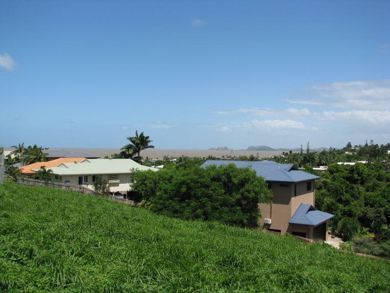 15 Samoa Street, Pacific Heights QLD 4703