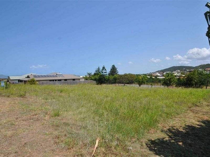 10 Miami Cresent, Pacific Heights QLD 4703