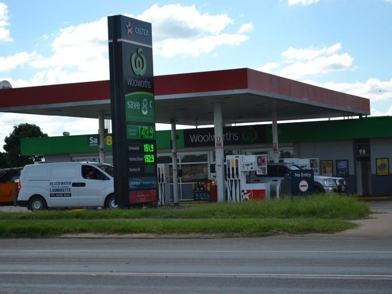 48-50 Railway Street, Blackwater QLD 4717