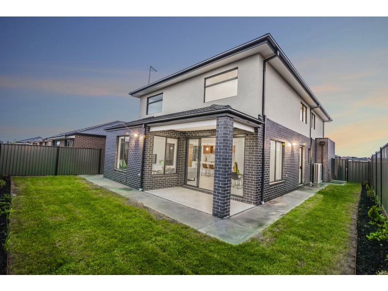 21 Mountleigh Circuit, Craigieburn VIC 3064